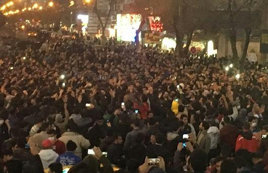تأملات حول تنامي التظاهرات المناهضة للنظام الإيراني