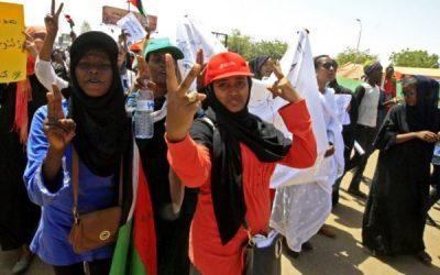 انقلاب سودان: پیشگامی زنان، صلحطلبی اپوزیسیون و خطر نظامیان